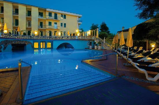 Hotel olympia terme montegrotto terme for Resort termali in cabina